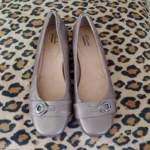 Clarks size 9.5 dress shoes